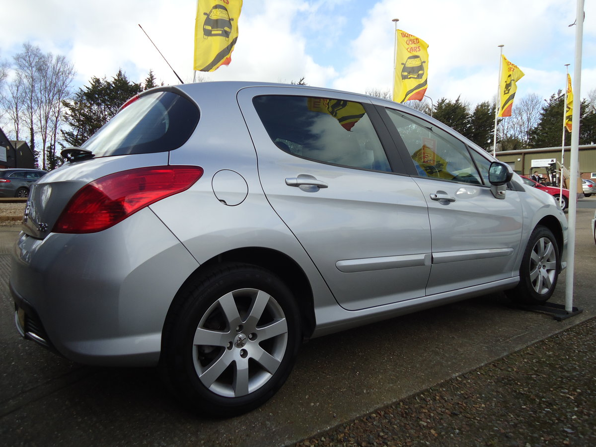 0858 LOW MILEAGE / VERY NICE SPECIFICATION For Sale (picture 1 of 6)