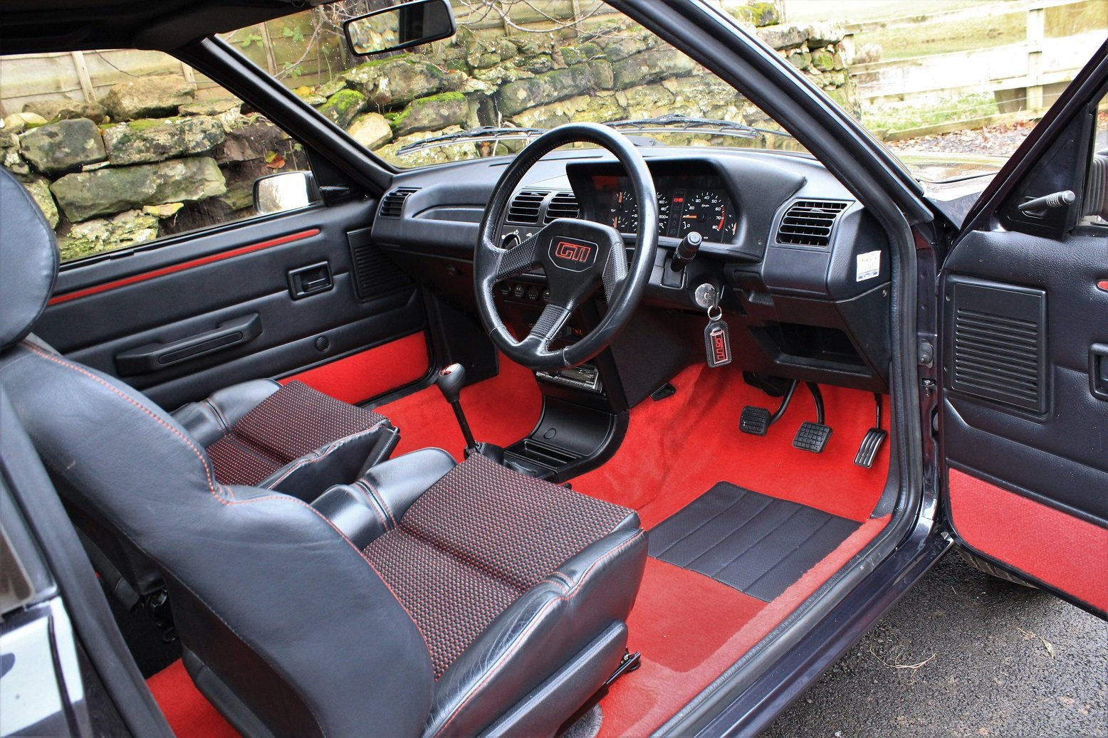 1991 Peugeot 205 GTI 3dr,65,534 miles from new For Sale (picture 4 of 6)