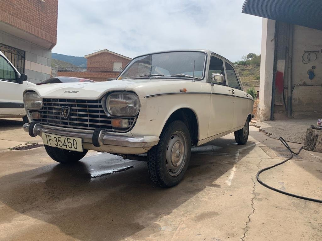 Peugeot 204  Restoration Project 1966 For Sale (picture 1 of 6)