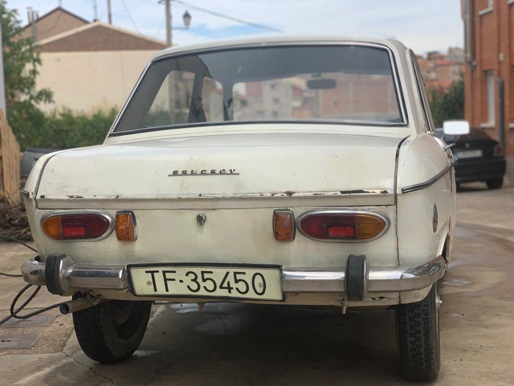 Peugeot 204  Restoration Project 1966 For Sale (picture 2 of 6)