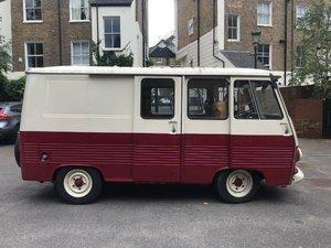 1980 Peugeot J7 Vintage Van