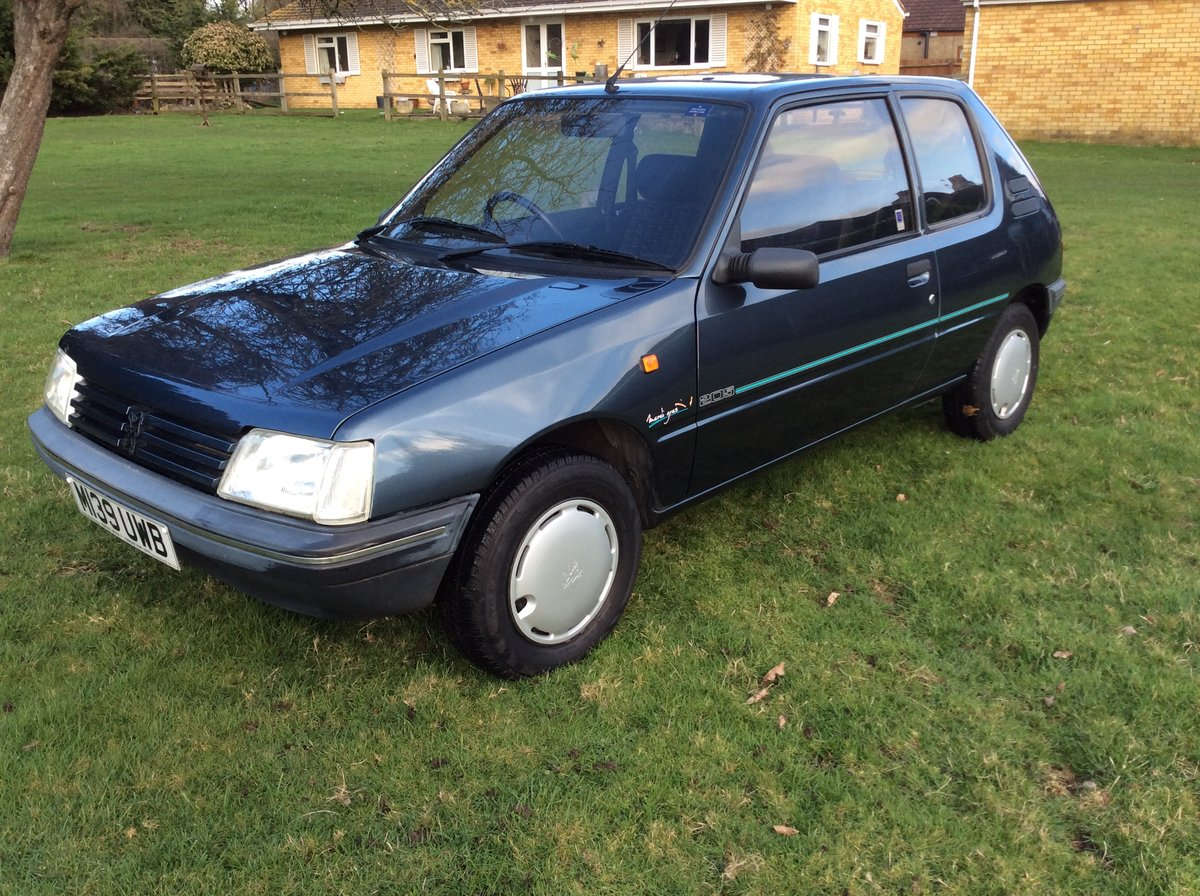 1994 PEUGEOT 205 1.6 MARDI GRAS AUTOMATIC BLUE For Sale (picture 1 of 6)