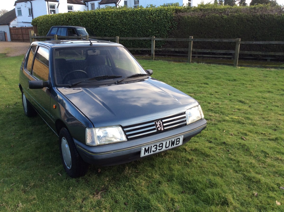 1994 PEUGEOT 205 1.6 MARDI GRAS AUTOMATIC BLUE For Sale (picture 2 of 6)