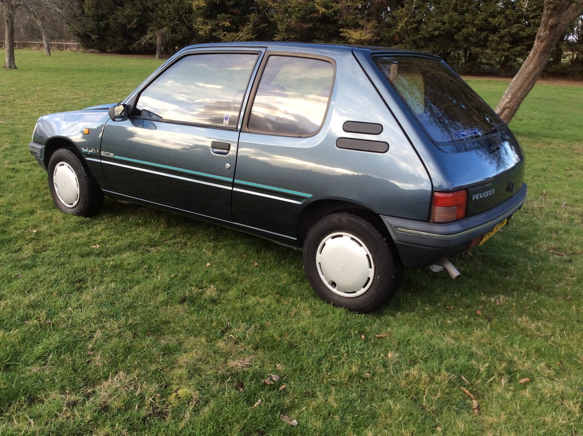 1994 PEUGEOT 205 1.6 MARDI GRAS AUTOMATIC BLUE For Sale (picture 3 of 6)