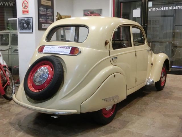 PEUGEOT 202 BERLINE - 1939 For Sale (picture 2 of 6)