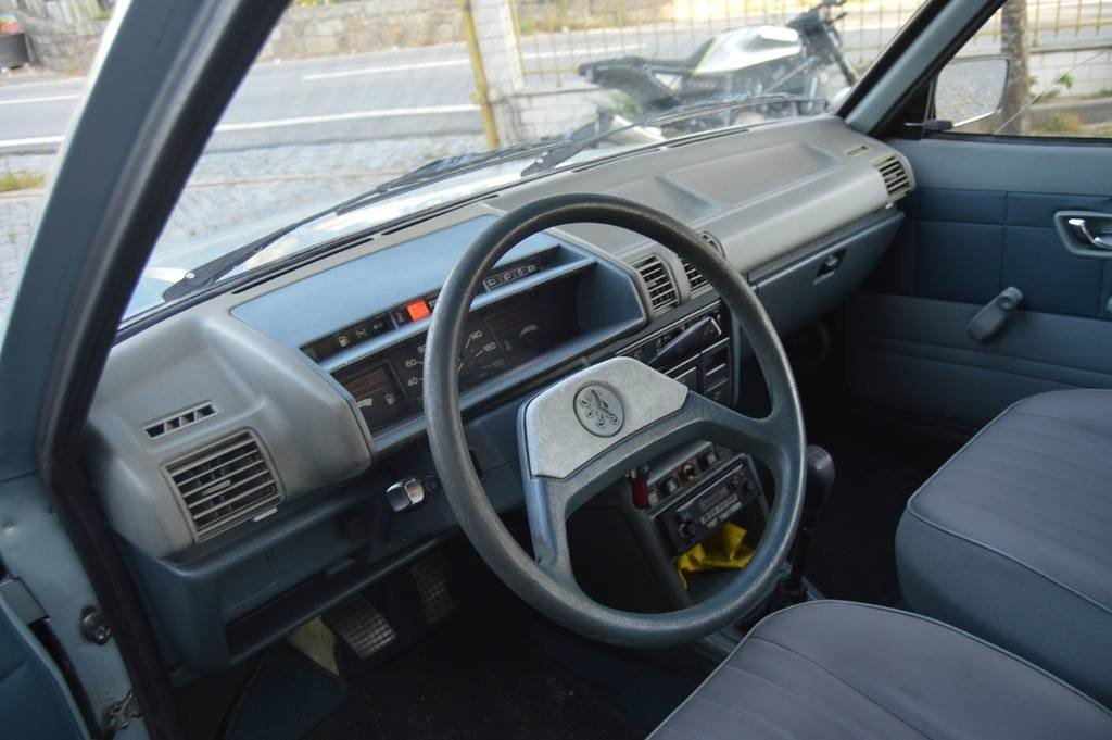 1984 Peugeot 305 GR For Sale (picture 3 of 6)