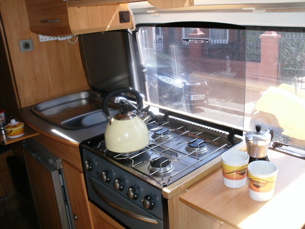 2013 Peugeot Boxer 2 plus 1 berth high spec conversion For Sale (picture 3 of 6)