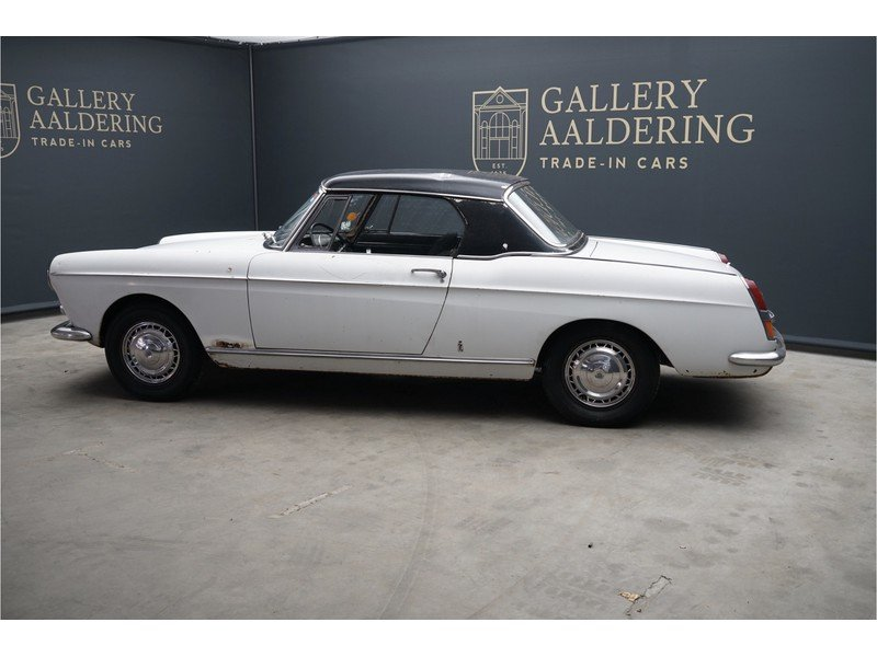 1963 Peugeot 404 Convertible with Hard-Top For Sale (picture 2 of 6)