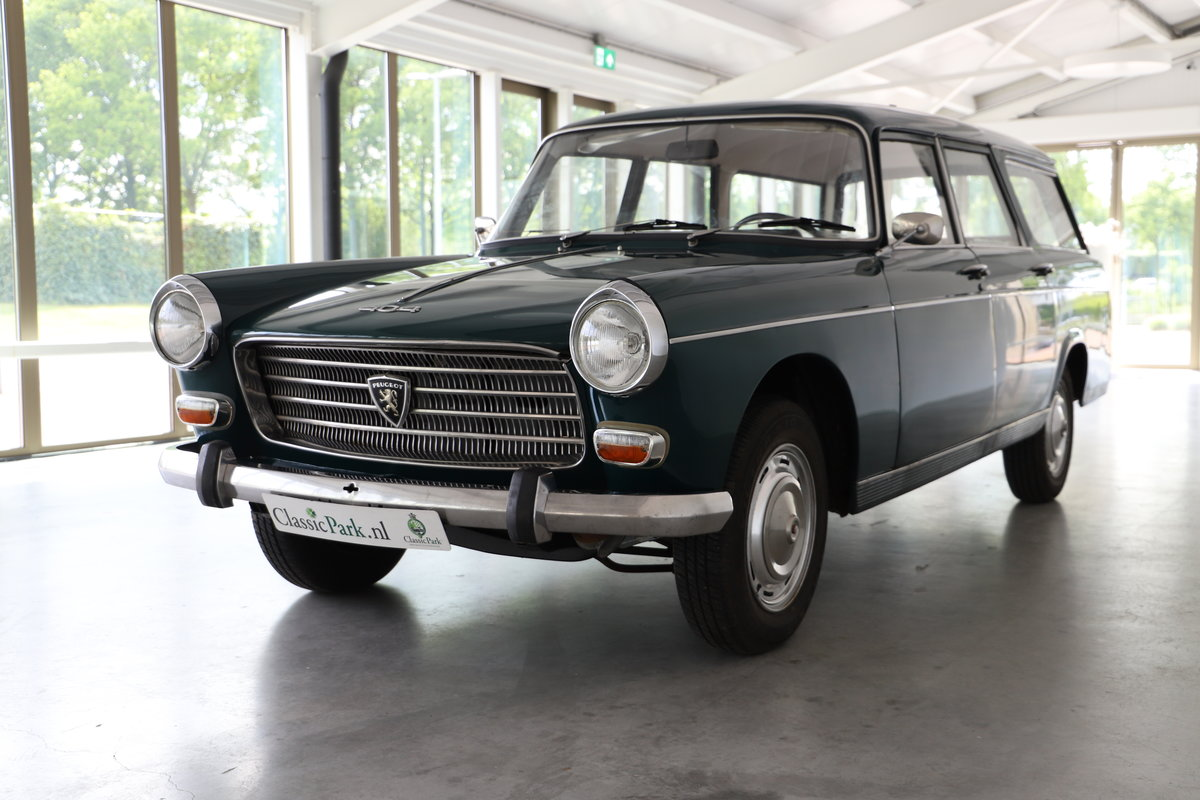 1971 (1095) Peugeot 404 Familiale For Sale (picture 1 of 6)