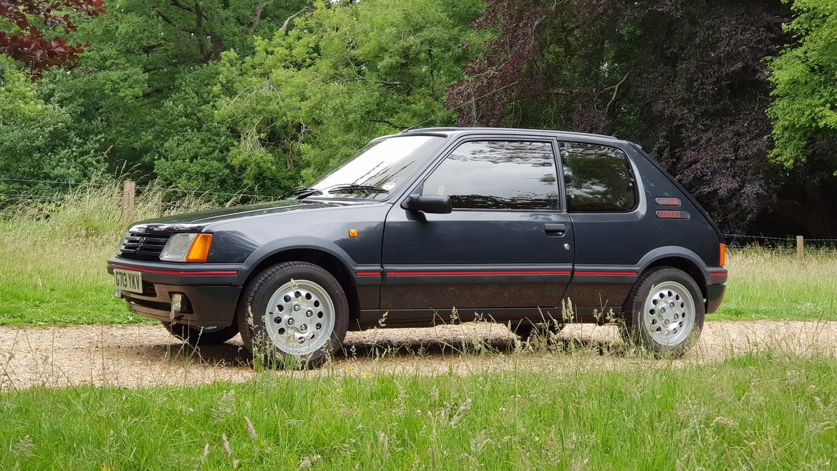 1989 Genuine low mileage, loved and cherished For Sale (picture 1 of 6)