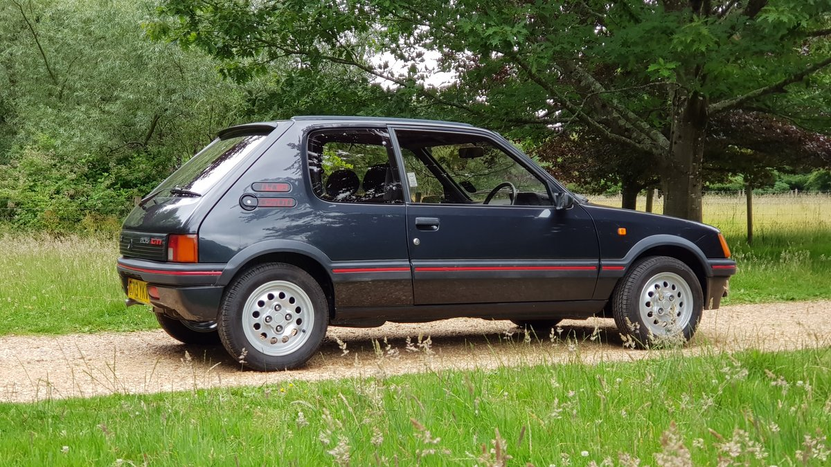 1989 Genuine low mileage, loved and cherished For Sale (picture 2 of 6)