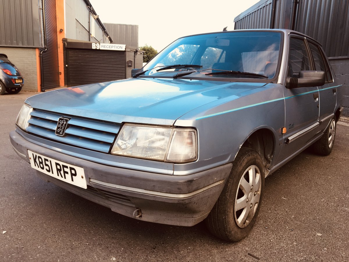 1992 PEUGEOT 309 1.9D STYLE 17,000 GENUINE MILEAGE For Sale (picture 2 of 6)