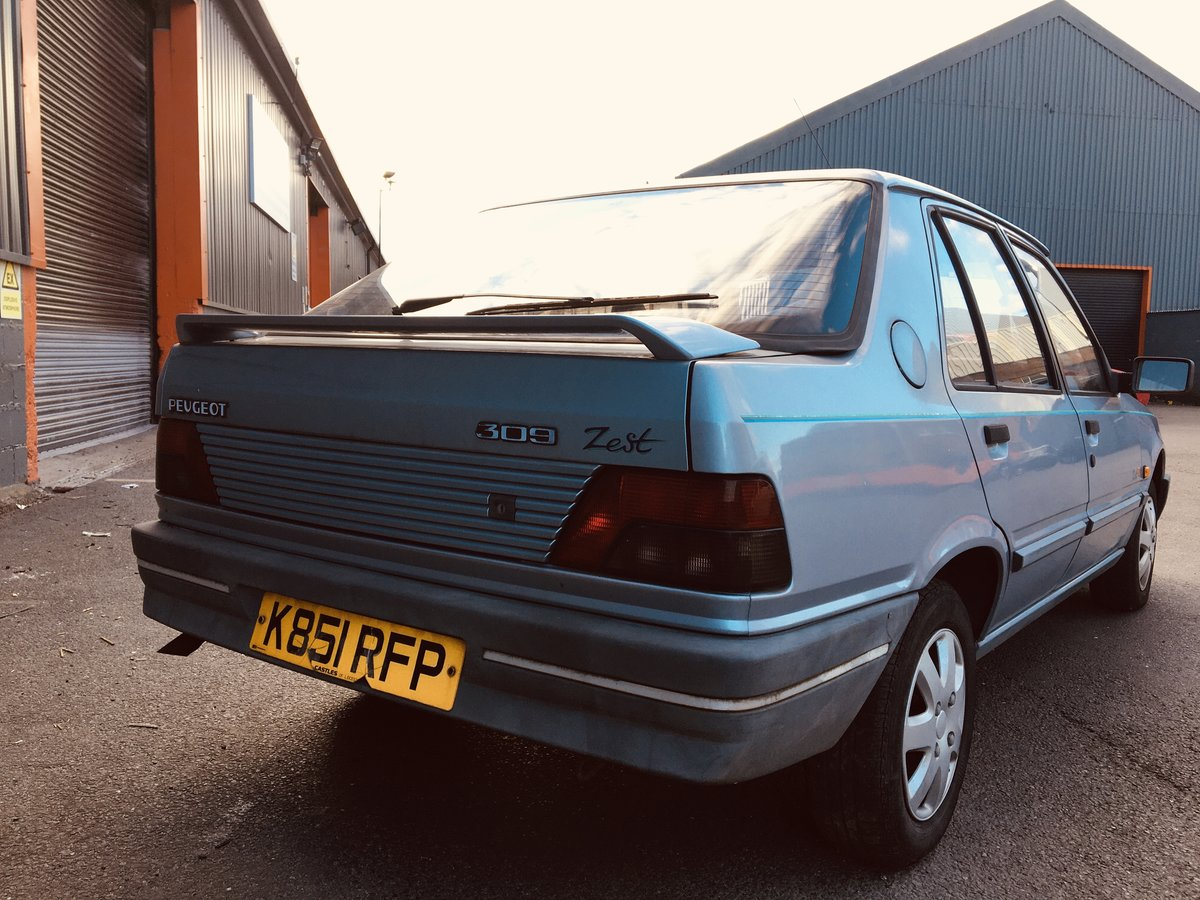1992 PEUGEOT 309 1.9D STYLE 17,000 GENUINE MILEAGE For Sale (picture 3 of 6)