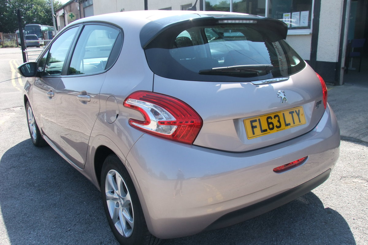2013 PEUGEOT 208 1.4 ACTIVE E-HDI 5DR AUTOMATIC SOLD (picture 3 of 6)