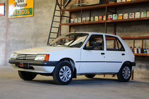Peugeot 205 very low mileage, 2nd hand...