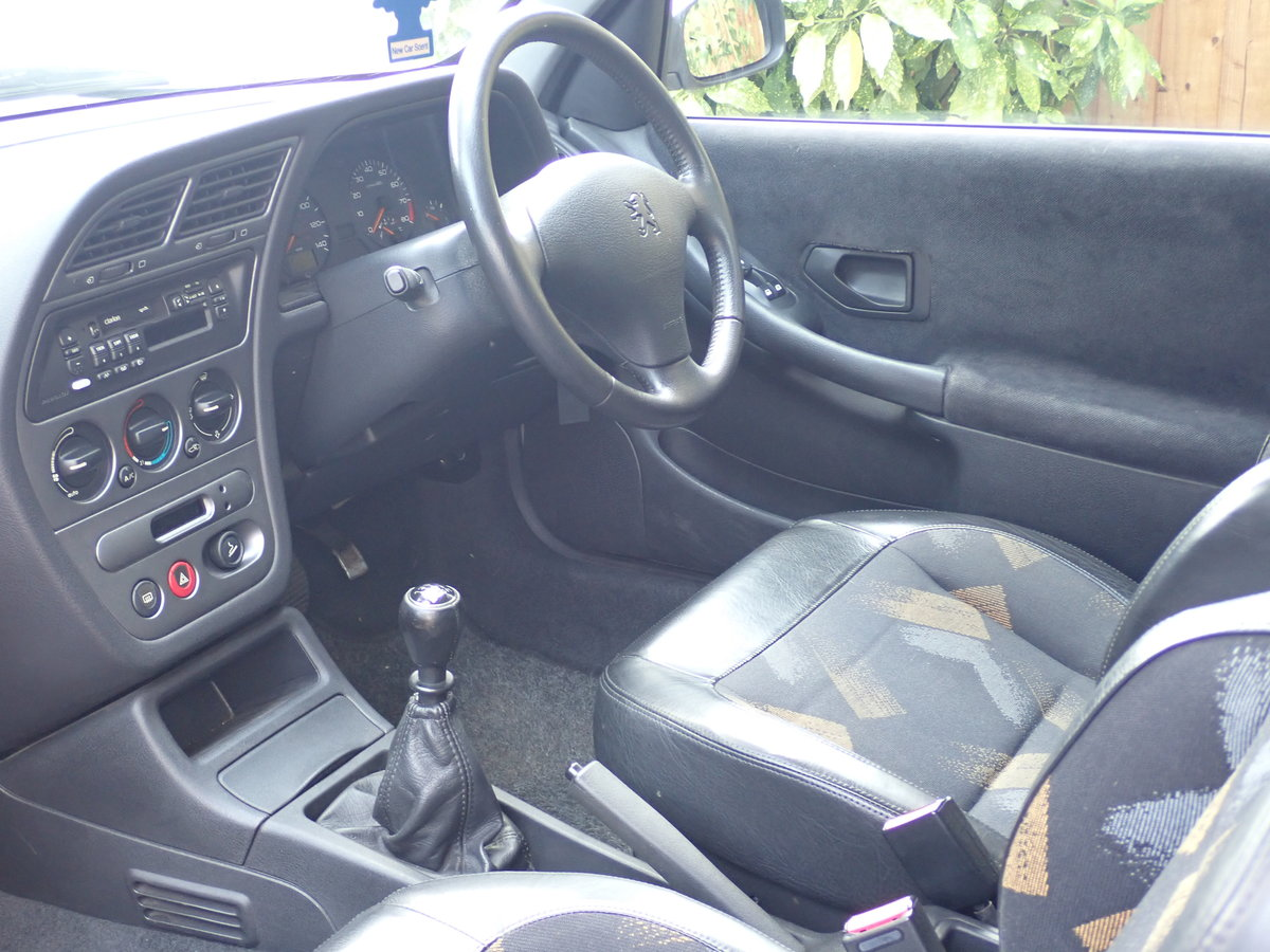 1998 Peugeot 306 GTi-6 Silver - a Drivers Car SOLD (picture 3 of 6)