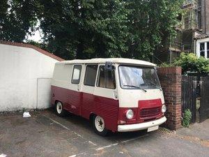 1980 Peugeot J7 - Van