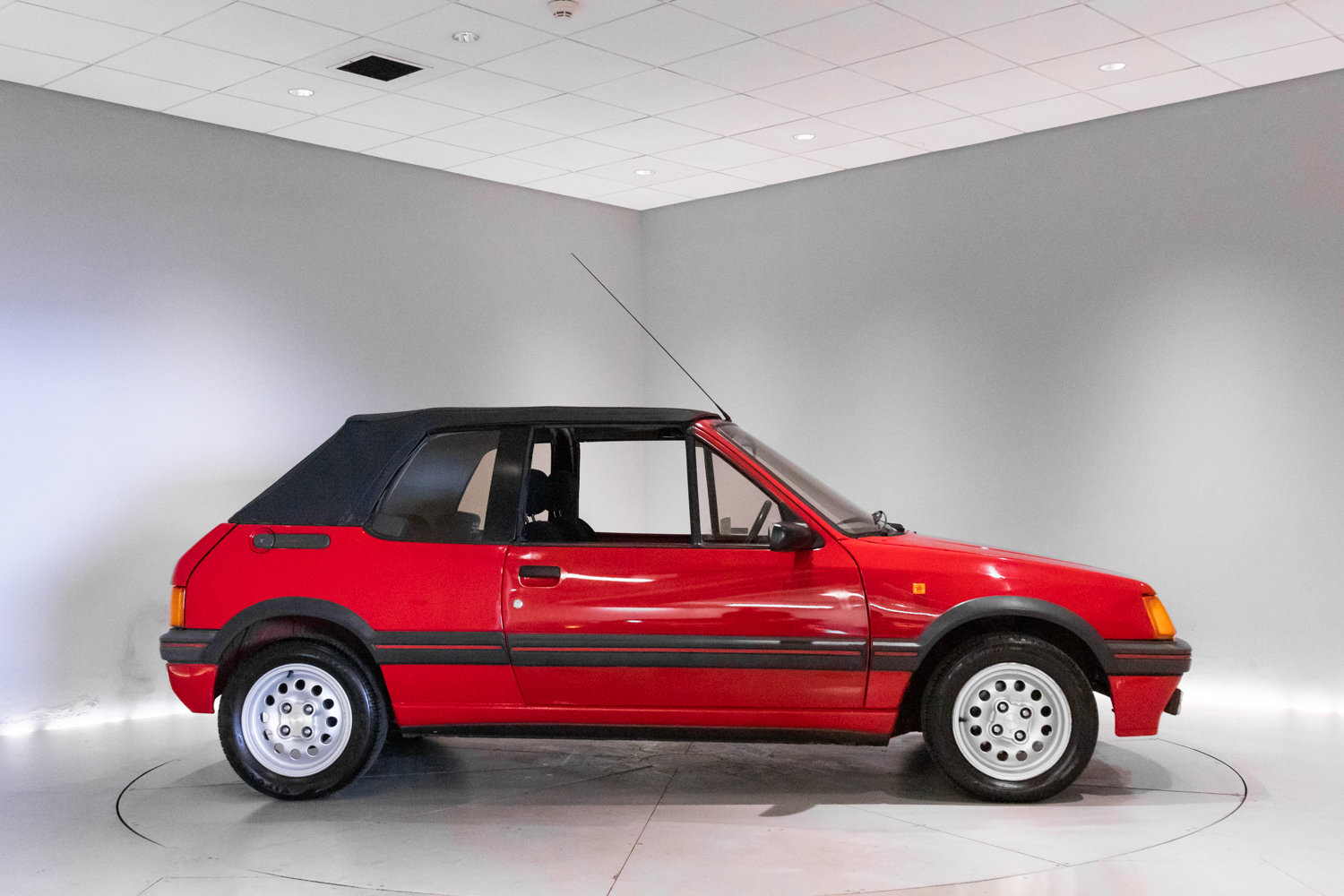 1990 Low Mileage Hot Hatch Classic  For Sale (picture 3 of 6)