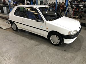 Picture of 1995 2 owner Peugeot 106