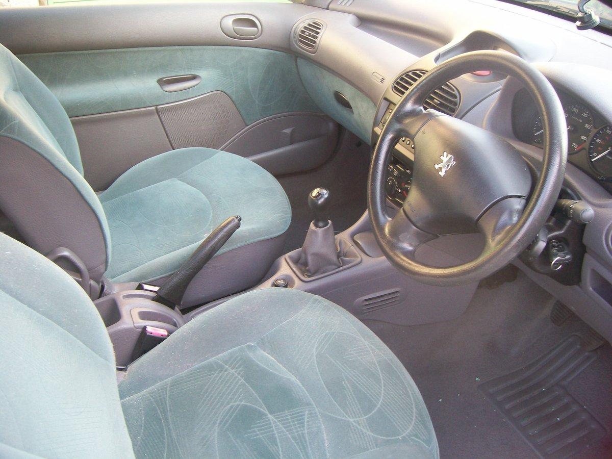 Peugeot 206 LX 1.4 Grey 2002 Reg 3 door spares breaking For Sale (picture 4 of 6)