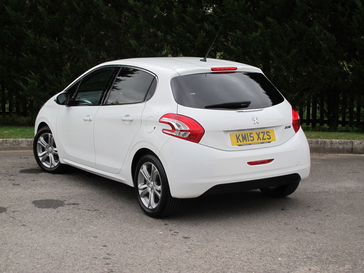 2015 Peugeot 208 1.2 Allure 5dr Manual For Sale (picture 3 of 6)