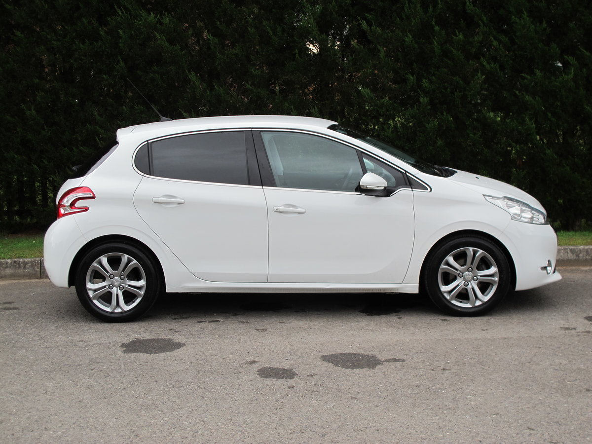 2015 Peugeot 208 1.2 Allure 5dr Manual For Sale (picture 5 of 6)
