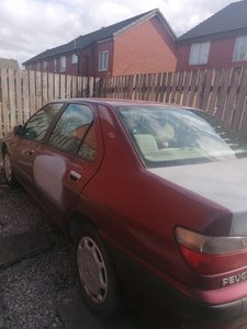 Picture of Peugeot 406 GLX, saloon, Spares or repair 1996.