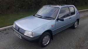 Picture of 1990 Peugeot 205 look