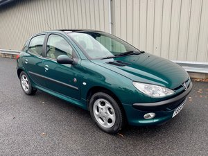 Picture of 1999  PEUGEOT 206 ROLAND GARROS LTD EDITION WITH 19K MILES