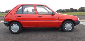 Peugeot 205 Mardis Gras