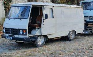 Peugeot J9 LWB Van