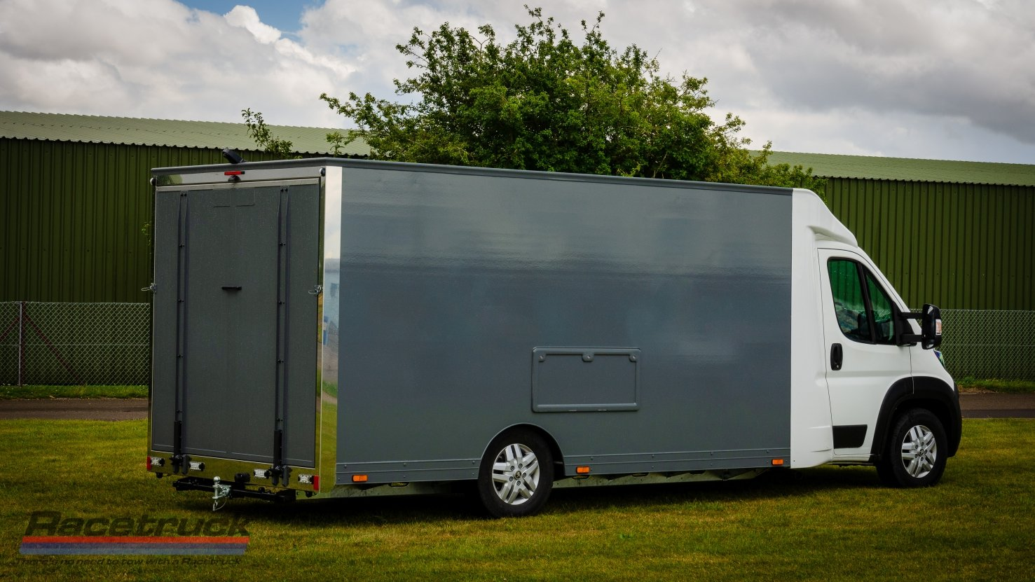2021 Enclosed Car Transporter For Sale (picture 5 of 10)