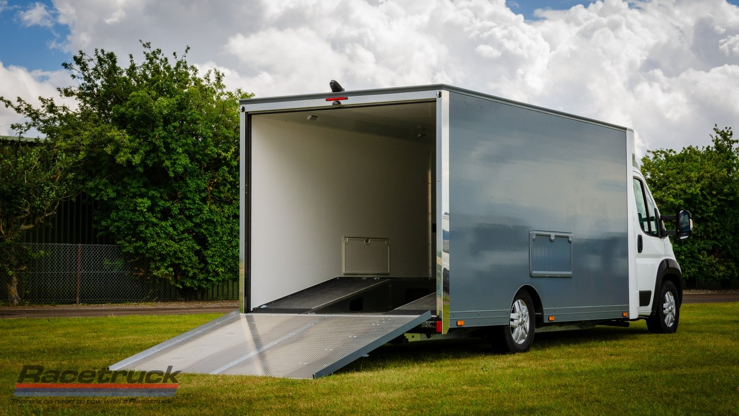 2021 Enclosed Car Transporter For Sale (picture 7 of 10)