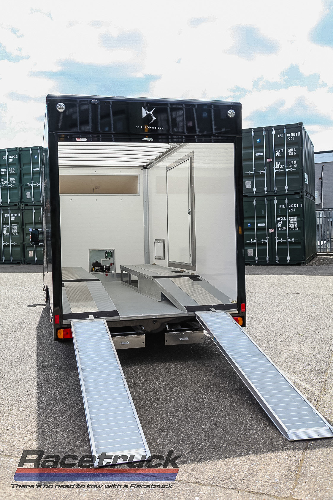 2021 Covered Car Transporter For Sale (picture 11 of 12)