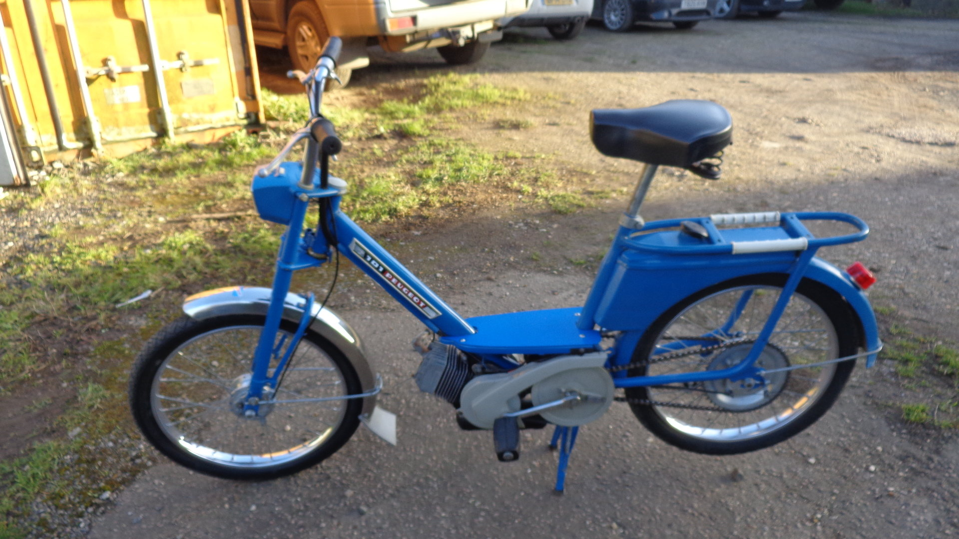 1968 Lovely original Peugeot 101 MT Moped For Sale (picture 3 of 6)