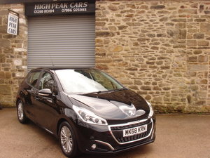 Picture of 2018 68 PEUGEOT 208 1.2 SIGNATURE 5DR. 7872 MILES. For Sale