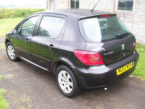Peugeot 307 S 1.4 HDI Diesel Black 5 door For Sale For Sale (picture 2 of 6)