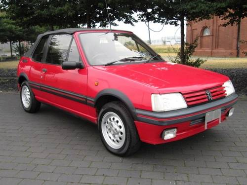 1994 PEUGEOT 205 CTi 1.9 CONVERTIBLE AUTOMATIC * ONLY 36000 MILES For Sale (picture 3 of 6)