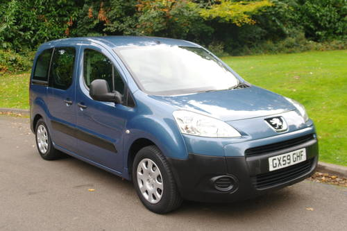 PEUGEOT PARTNER TEPEE.  WHEEL CHAIR ACCESS.. LOW MILES.. FSH SOLD (picture 2 of 6)