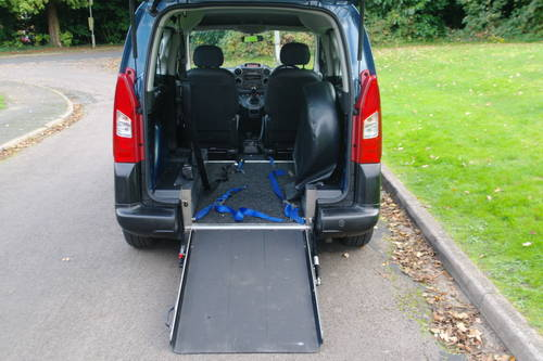 PEUGEOT PARTNER TEPEE.  WHEEL CHAIR ACCESS.. LOW MILES.. FSH SOLD (picture 5 of 6)