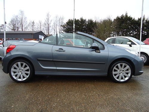0808 ONE OWNER LOW MILEAGE 207 CC GT IN GREY METALLIC SOLD (picture 2 of 5)