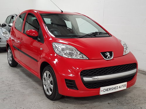 2009 PEUGEOT 107 1.0 URBAN* GENUINE 50,000 MILES*NEW SHAPE*  For Sale (picture 1 of 6)