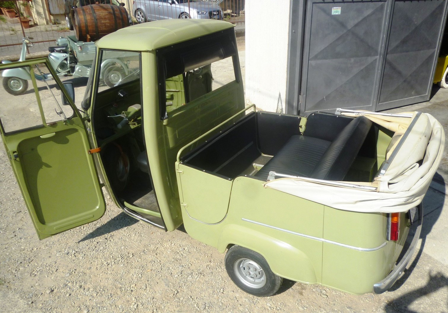 1968 Piaggio Ape D-AD2 people transport For Sale (picture 1 of 6)