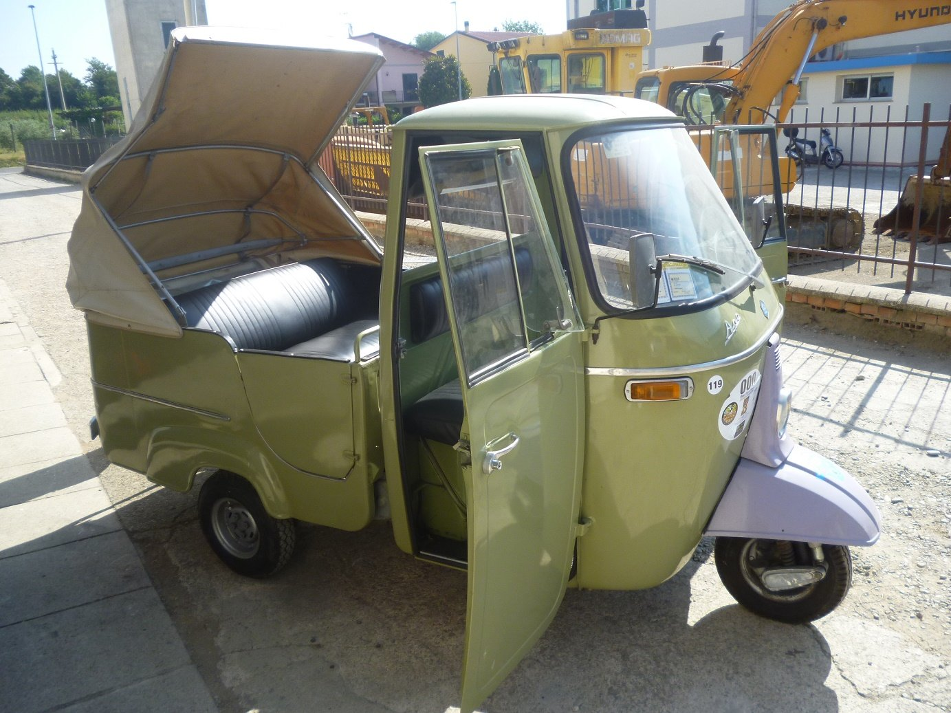 1968 Piaggio Ape D-AD2 people transport For Sale (picture 2 of 6)