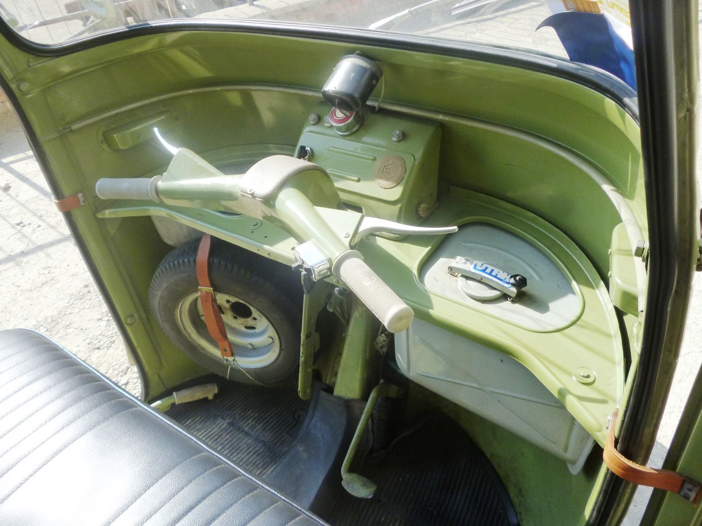 1968 Piaggio Ape D-AD2 people transport For Sale (picture 4 of 6)