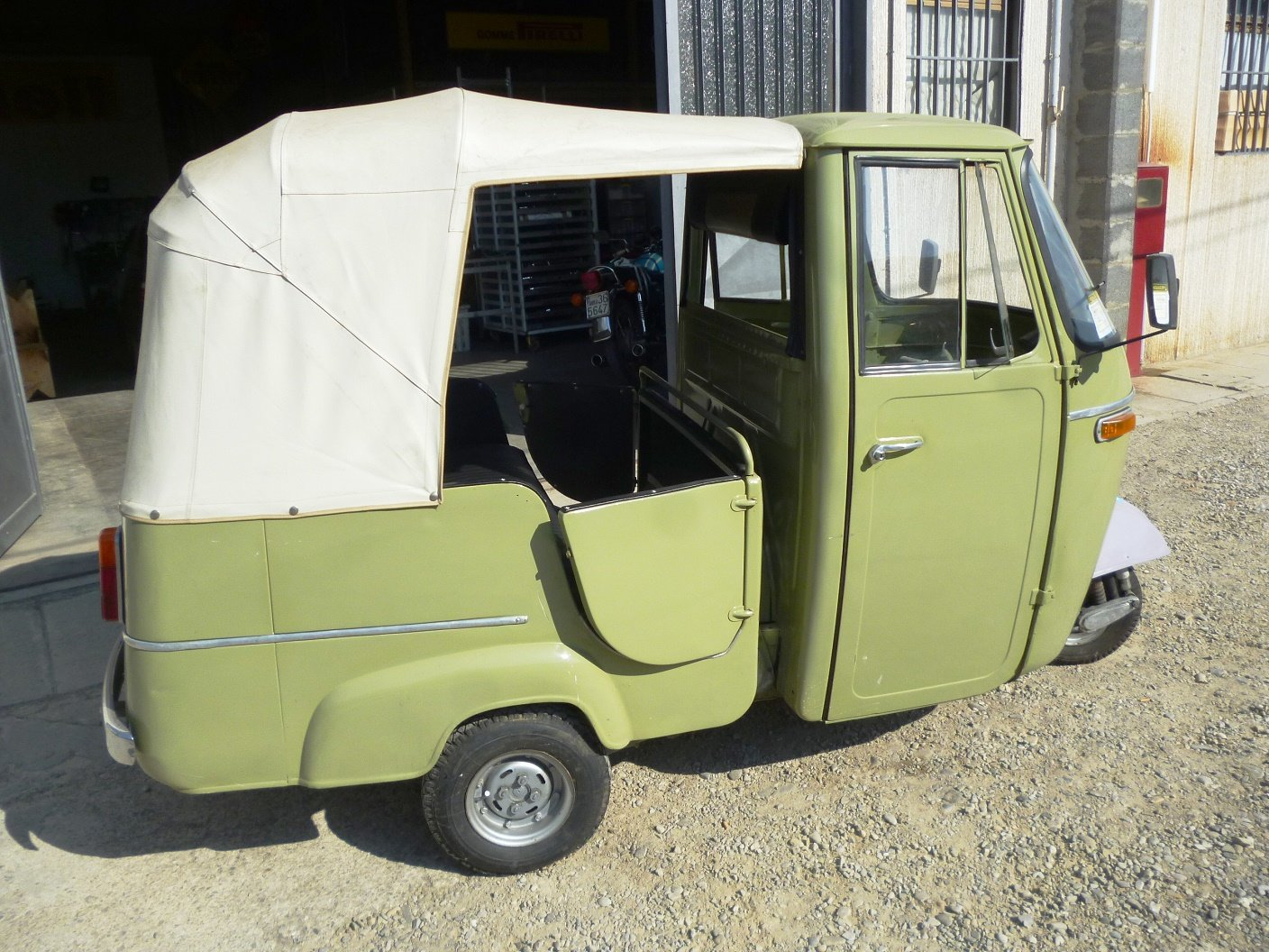 1968 Piaggio Ape D-AD2 people transport For Sale (picture 5 of 6)