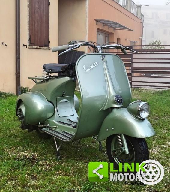 Piaggio VESPA 125 FARO BASSO BACHETTA 1950 For Sale (picture 1 of 6)