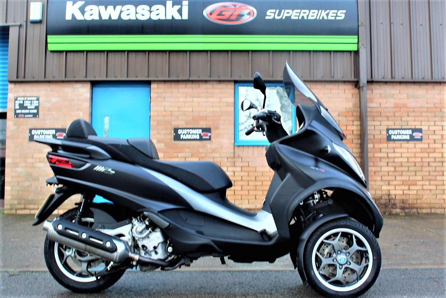 2017 17 Piaggio MP3 500 LT SPORT ABS *RIDE ON A CAR LICENCE* For Sale (picture 1 of 12)