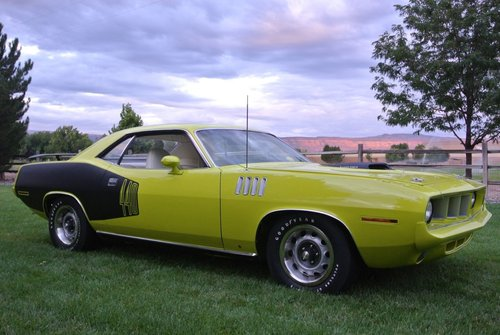 1971 Plymouth Cuda 440-6 pack & Concours restored ! For Sale (picture 1 of 6)
