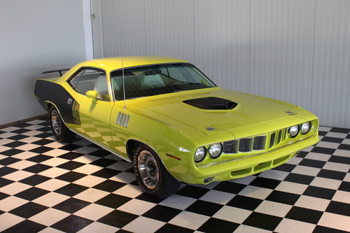 1971 Plymouth Cuda 440-6 pack & Concours restored ! For Sale (picture 5 of 6)